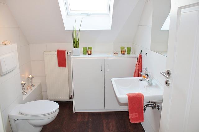 útulná čistá koupelna