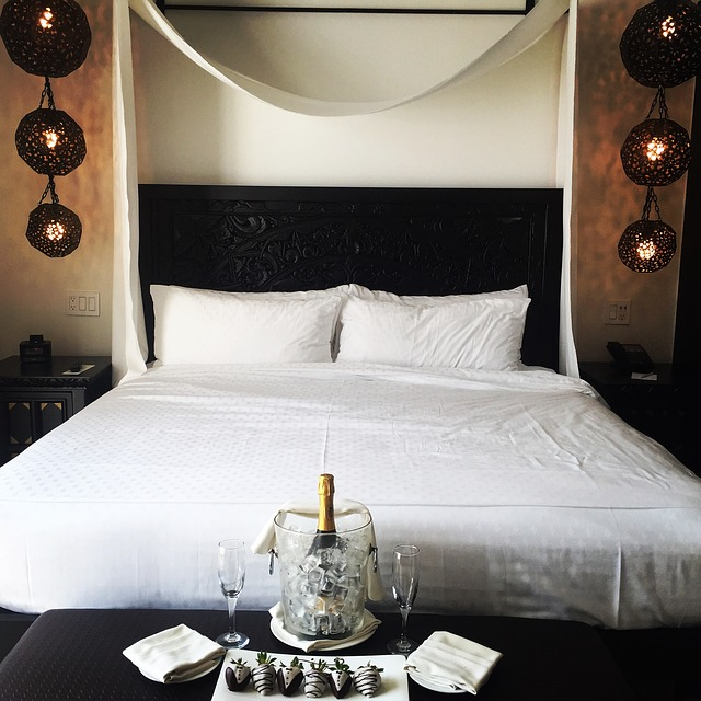 královská postel