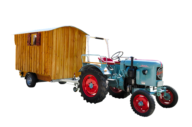 traktor s maringotkou