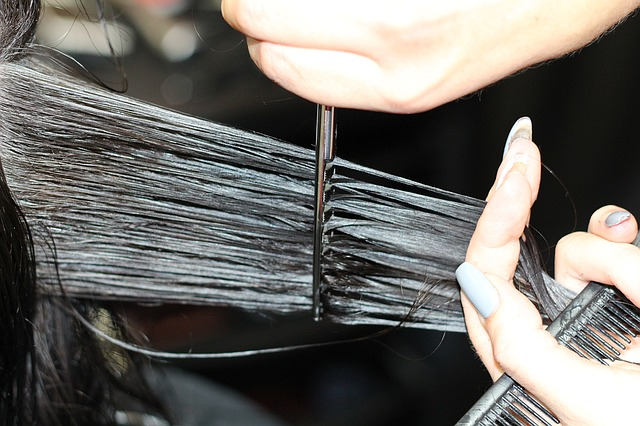 prostříhávání vlasů